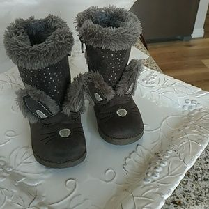 Cat and jack toddler sz 5 boots.excellent cond.
